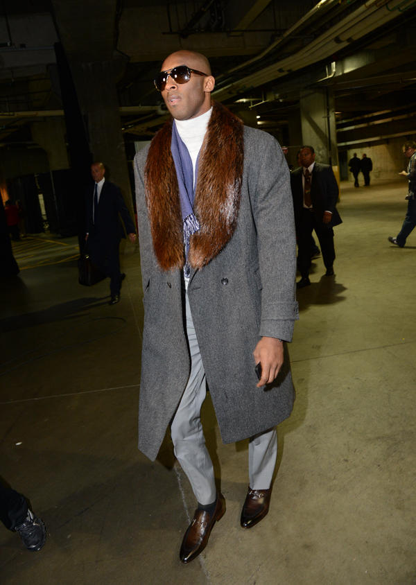 Kobe Bryant Shows Up to Lakers-Knicks Game Wearing Fur