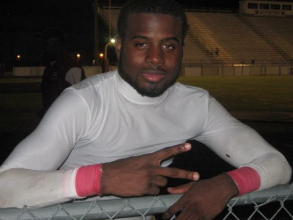 Atlanta High School Football Player Dies After Collapsing During Scrimmage