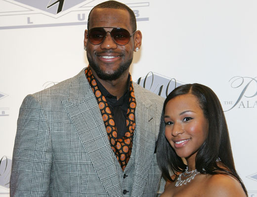 Lebron James Marries Savannah Brinson