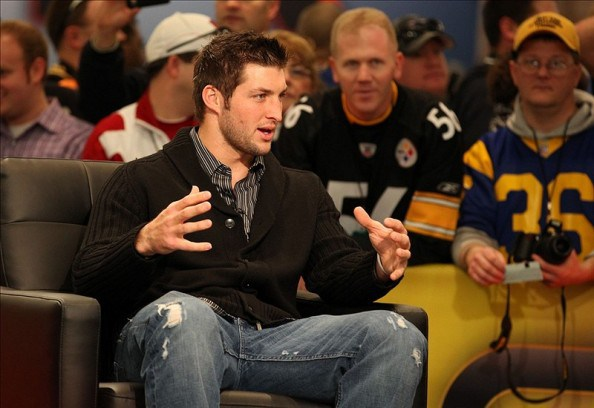 ESPN, CBS, Fox Sports In Bidding War For Tim Tebow As Broadcaster