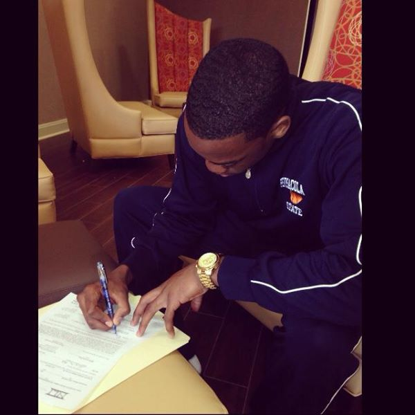 Denzel Richardson Signs His Letter Of Intent To Eastern Kentucky